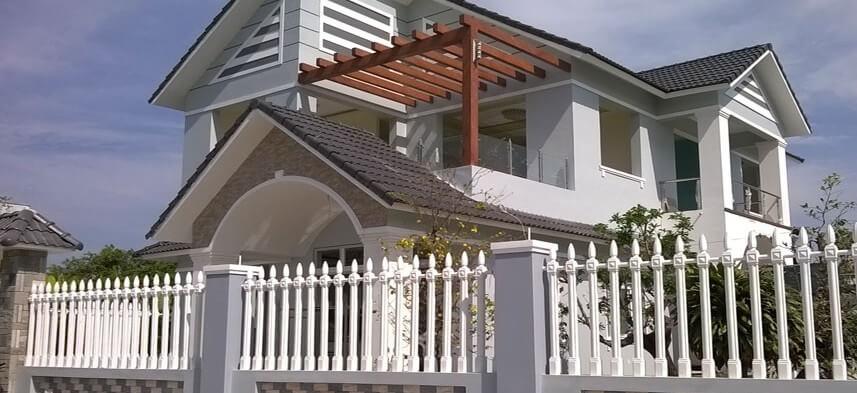 hàng rào vệ sinh cho biệt thự
