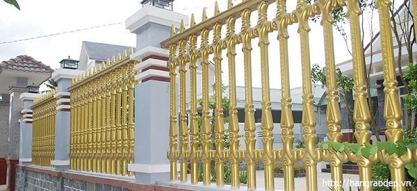 Hàng rào bê tông ly tâm Công tước tại biệt thự gia đình sang trọng