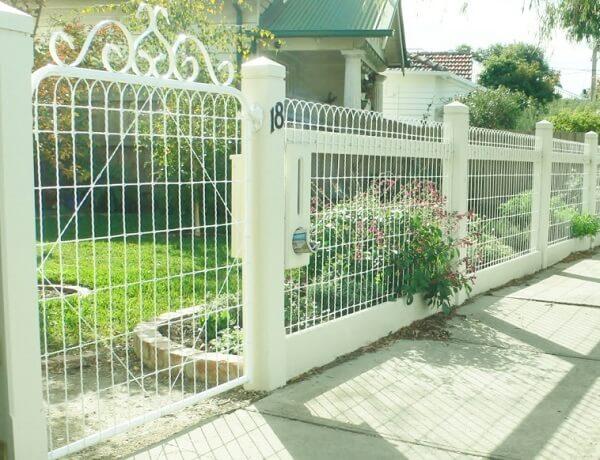 Mẫu hàng rào đẹp cho nhà cấp 4